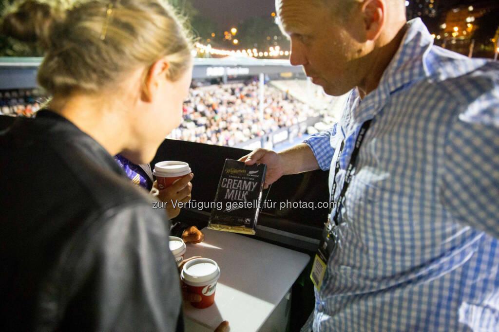 Anna und Lisa Hahner, Jeff Wilson (ehem. All Blacks Spieler), DTM Fahrer Tom Blomqvist, &copy; <a href=