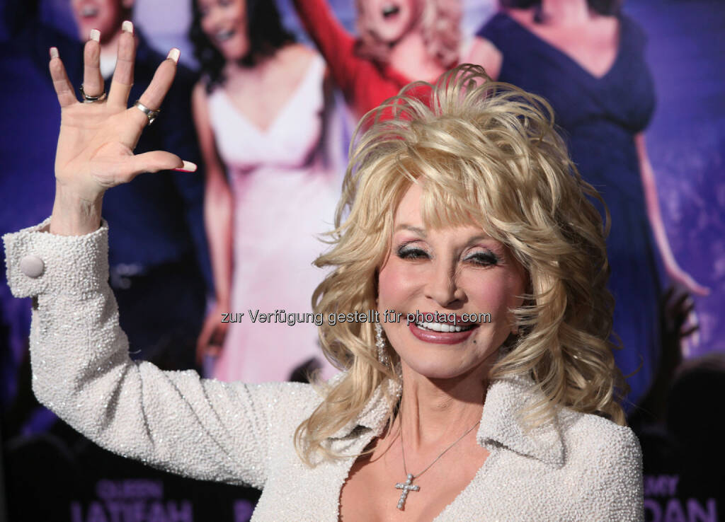 Dolly Parton, <a href=http://www.shutterstock.com/gallery-673594p1.html?cr=00&pl=edit-00>DFree</a> / <a href=http://www.shutterstock.com/editorial?cr=00&pl=edit-00>Shutterstock.com</a>, DFree / Shutterstock.com (11.01.2016)