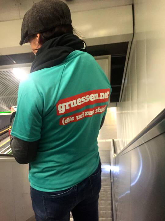 Gruessen.net Zufallstreffer in der U-Bahn