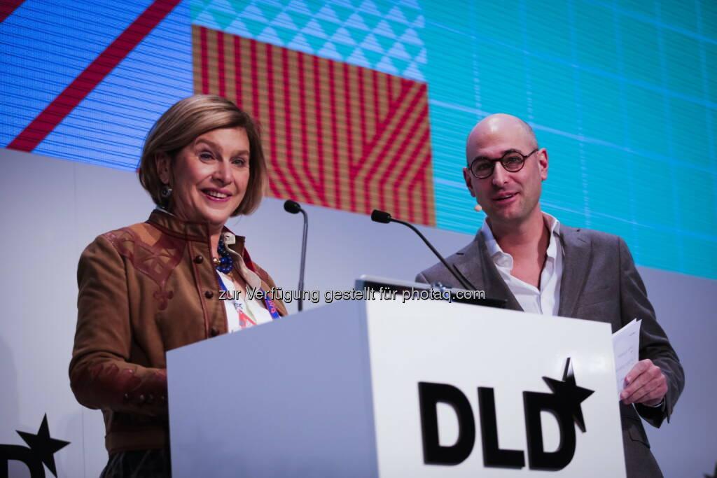 Steffi Czerny und Dominik Wichmann (DLD-Geschäftsführer) : DLD16: Digitale Zukunftsdenker zu Gast in München : Fotocredit: Hubert Burda Media, © Aussender (19.01.2016)