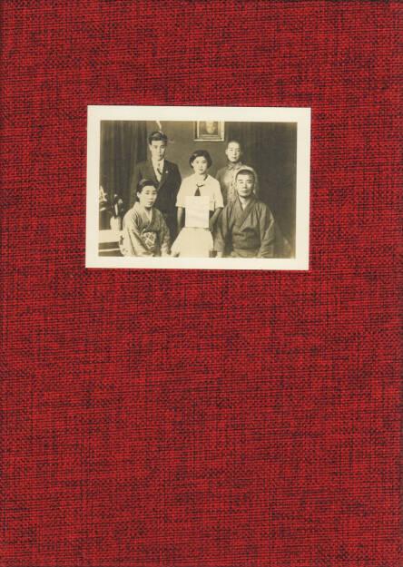 Kazuma Obara - Silent Histories, Editorial RM 2015, Cover - http://josefchladek.com/book/kazumaobara_-_silent_histories, © (c) josefchladek.com (23.01.2016)