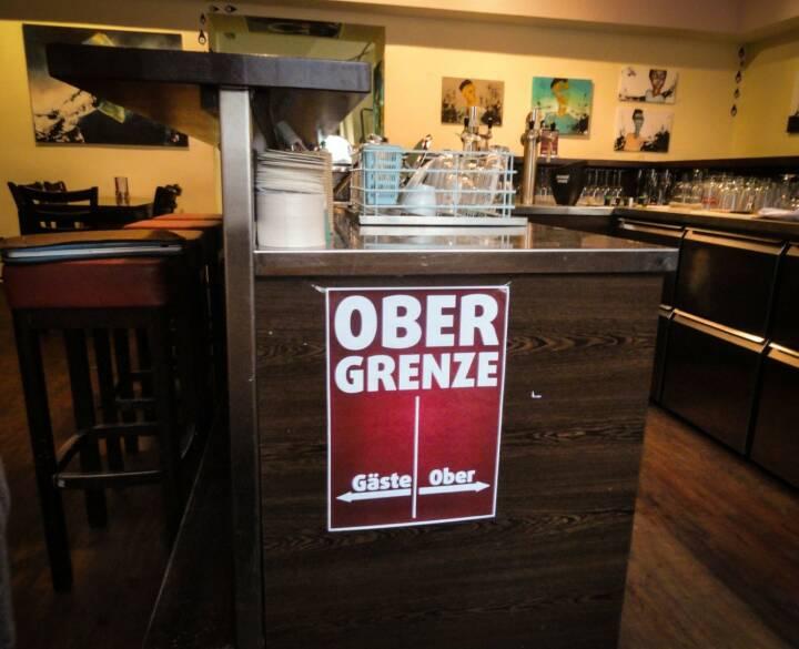 Obergrenze - mit freundlicher Genehmigung von Academy-Die Werbeagentur mit Bar http://www.academy-salzburg.at