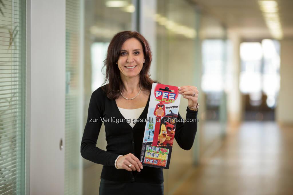 Gabriele Hofinger (Marketingleiterin) : PEZ Play: Österreichische Kultmarke macht den Schritt ins digitale Zeitalter : PEZ Play wird erstmals und exklusiv im Rahmen der Internationalen Süßwarenmesse 2016 in Köln vorgestellt : Fotocredit: PEZ International GmbH/Harrer, © Aussendung (25.01.2016)