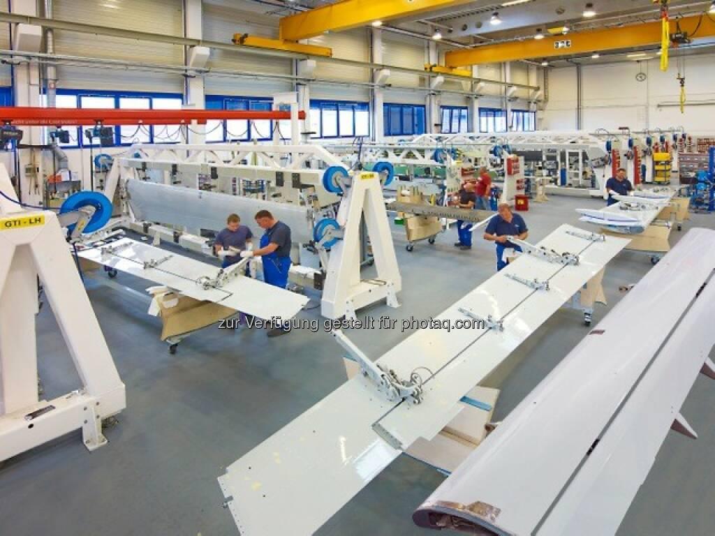 FACC Fertigungsstraße für Landeklappen der A321neo : Auslieferung der ersten Airbus A320neo startet – Systemkomponenten von FACC mit an Bord : Neue Generation des Bestsellers der A320-Familie ist ausgestattet mit Leichtbaukomponenten von FACC : Fotocredit: FACC, © Aussendung (25.01.2016)