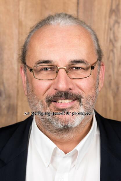 Gottfried Crepaz, GF Wohngesund International Parkett und Holzdielen GmbH : Wohngesund eröffnet 7. Filiale in der SCS am 1. Februar 2016 : Fotocredit: Wohngesund International Parkett und Holzdielen GmbH, © Aussendung (26.01.2016)