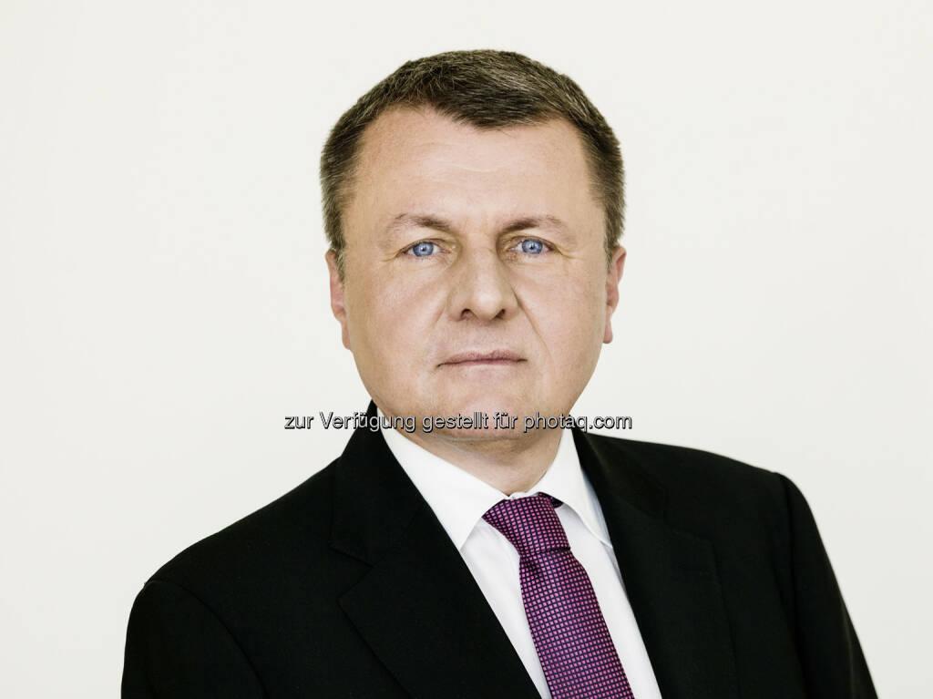 Peter Braumüller (FMA-Bereichsleiter für Versicherungs-und Pensionskassenaufsicht) zum stellvertretenden Vorsitzenden der europäischen Versicherungsaufsichtsbehörde EIOPA wiedergewählt : Fotocredit: FMA/Steinbach, © Aussender (28.01.2016)