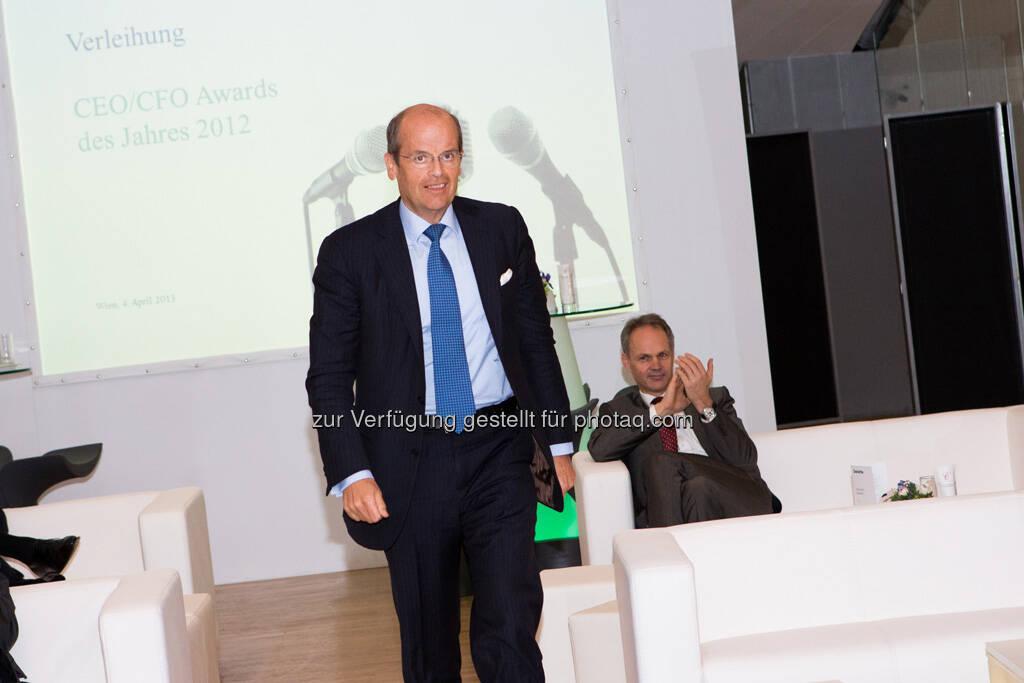 Wolfgang Leitner (Andritz), Martin Grüll (RBI) gratuliert, © Franz Reiterer für den Börse Express (mit freundlicher Genehmigung vom Börse Express) (05.04.2013)