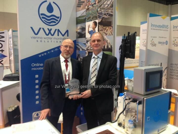 Juri Koschelnik und Wolfgang Vogl (Vienna Water Monitoring) : Wiener Umwelttechnologie gewinnt internationalen Top-Preis : Innovator Award bei IWS (The International Water Summit) 2016, in Abu Dhabi, United Arab Emirates :  Fotocredit: VWM GmbH