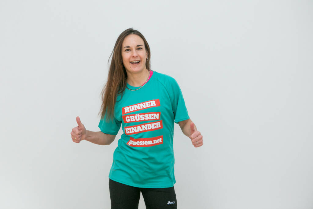 Yes! Carola Bendl-Tschiedel im Shirt von http://www.gruessen.net (02.02.2016)