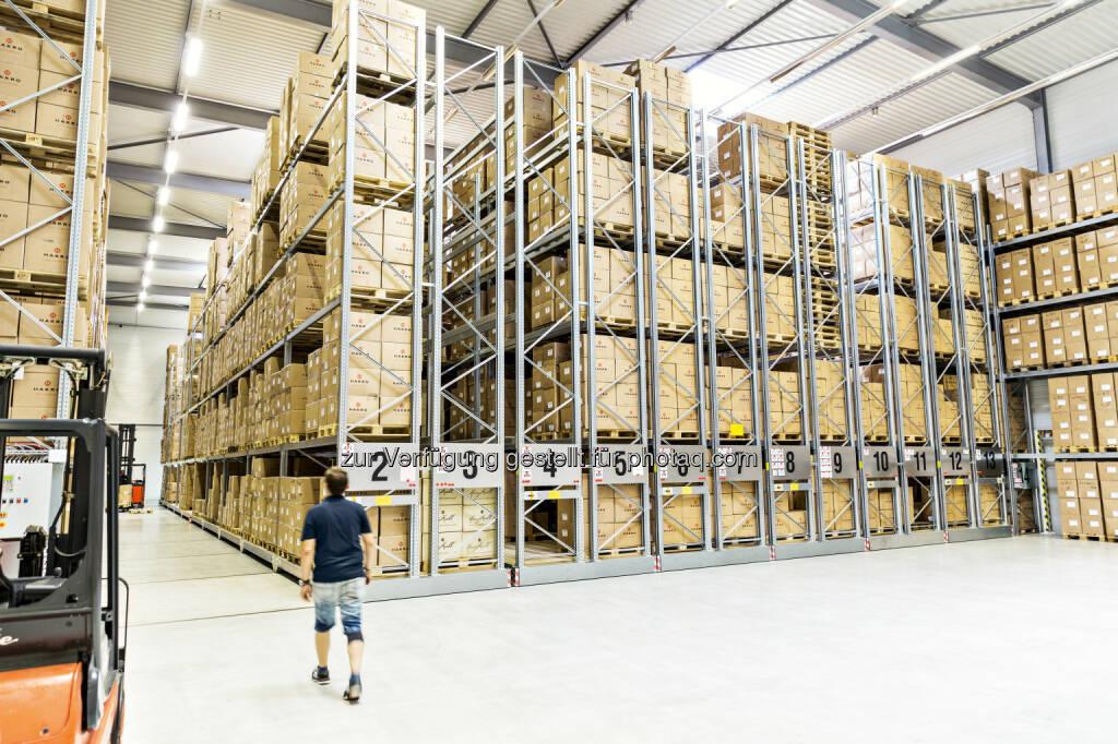 Logistikzentrum der Hakro GmbH in Schrozberg (Baden-Württemberg) : Hakro setzt Wachstumskurs fort / 2015 bestes Ergebnis in der Unternehmensgeschichte erzielt : Fotocredit: Hakro GmbH, © Aussender (04.02.2016)