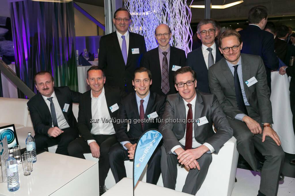 Alois Wögerbauer (GF 3 Banken-Generali Investment-Gesellschaft), Herbert Ortner (Vorstandsvors. Palfinger AG),  Günther Ofner (Vorstandsdir. Flughafen Wien AG), Dominik Hojas (Chefredakteur DerBörsianer), Uli Krämer (Chief Investment Officer Kepler-Fonds KapitalanlagegesmbH), Hagen-Holger Apel (Senior Portfoliomanager DNB Asset Management), Herbert Eibensteiner (Vorstandsmitglied Voestalpine AG), Wolfgang Fickus (Mitglied Investmentkomitee Comgest Asset Management) : Q-Check 24.0 in Linz : China-Virus: Börsen infiziert, aber keine Pandemie : Fotocredit: DerBörsianer, © Aussender (04.02.2016)