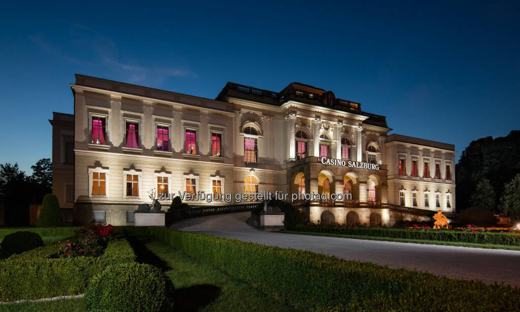 Schloss Klessheim bei Nacht : Casinos Austria saniert Schloss Klessheim um 14,3 Millionen Euro : Fotocredit:© Casinos Austria AG, © Aussendung (08.03.2016)