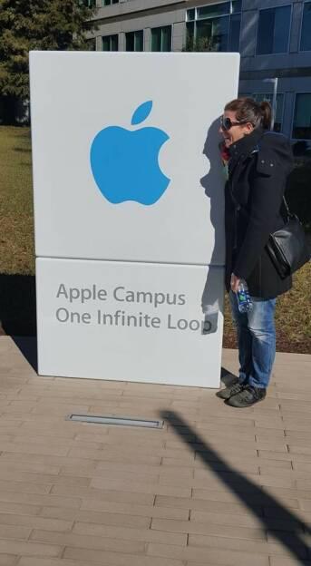 Apple (by Nina Haas) (05.02.2016)