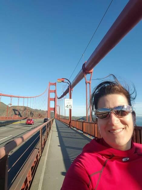 San Francisco Bridge Running by Nina Haas, © Aussendung (08.02.2016)