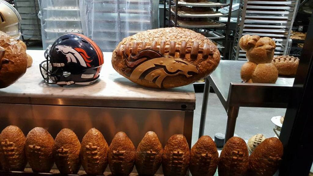 Super Bowl Brot by Nina Haas, © Aussendung (08.02.2016)