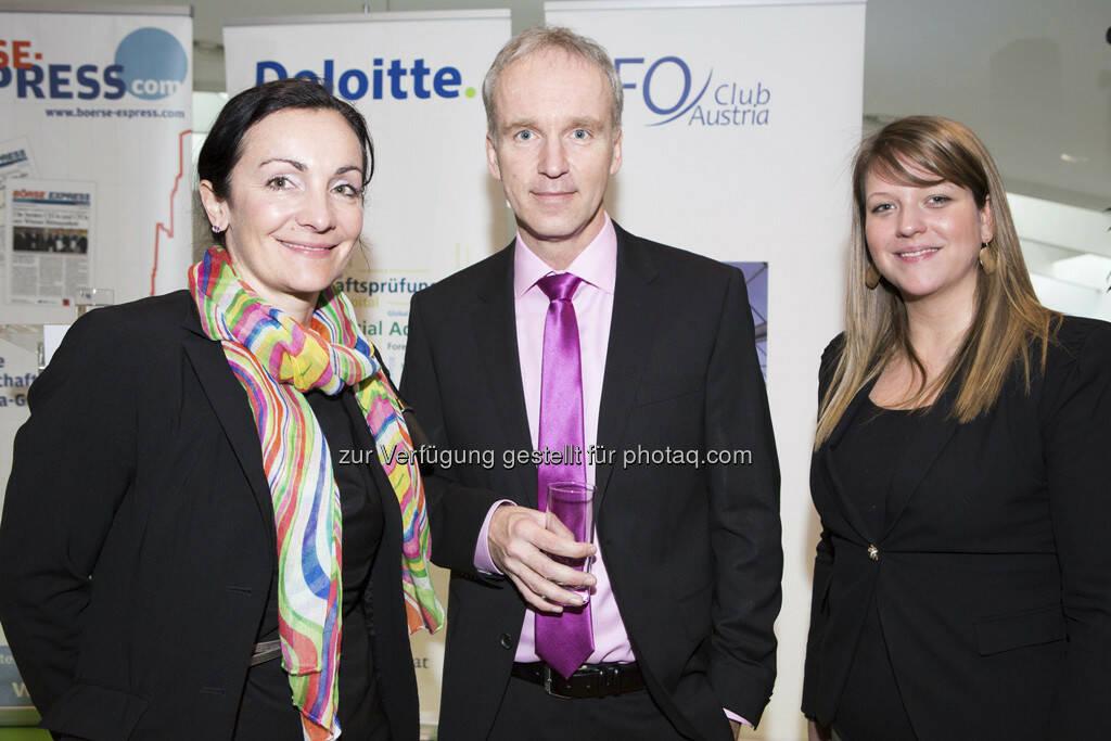 Patricia Padilla Satander (Deloitte), Award Initiator Christian Drastil (finanzmarktfoto.at, BE), Melinda Mihoczy (Deloitte), © Franz Reiterer für den Börse Express (mit freundlicher Genehmigung vom Börse Express) (05.04.2013)