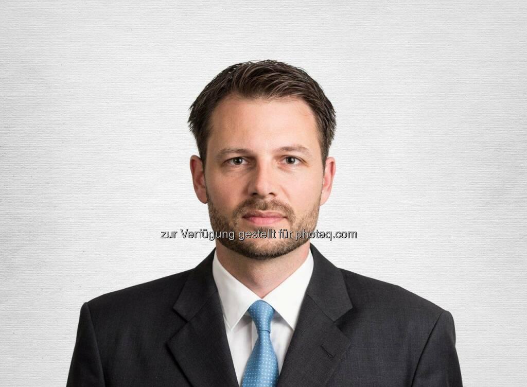 Raphael Lüscher, Manager des Swisscanto (LU) Equity Fund Green Invest Emerging Markets B. : Transformation zu einem nachhaltigeren Wirtschaftsmodell : Um Klima und Umwelt zu schonen, sind zum Beispiel Einsparungen im Energieverbrauch sowie ein effizienter Einsatz der Ressourcen vonnöten : Insbesondere in den Emerging Markets, die einen riesigen Wirtschaftsraum mit Ländern wie etwa China, Indien und Brasilien darstellen, muss das Wirtschaften auf Kosten der Natur beziehungsweise zu Lasten der Gesundheit der Bevölkerung eingedämmt werden : Fotocredit: Swisscanto Invest/männer p.r., © Aussender (10.02.2016)