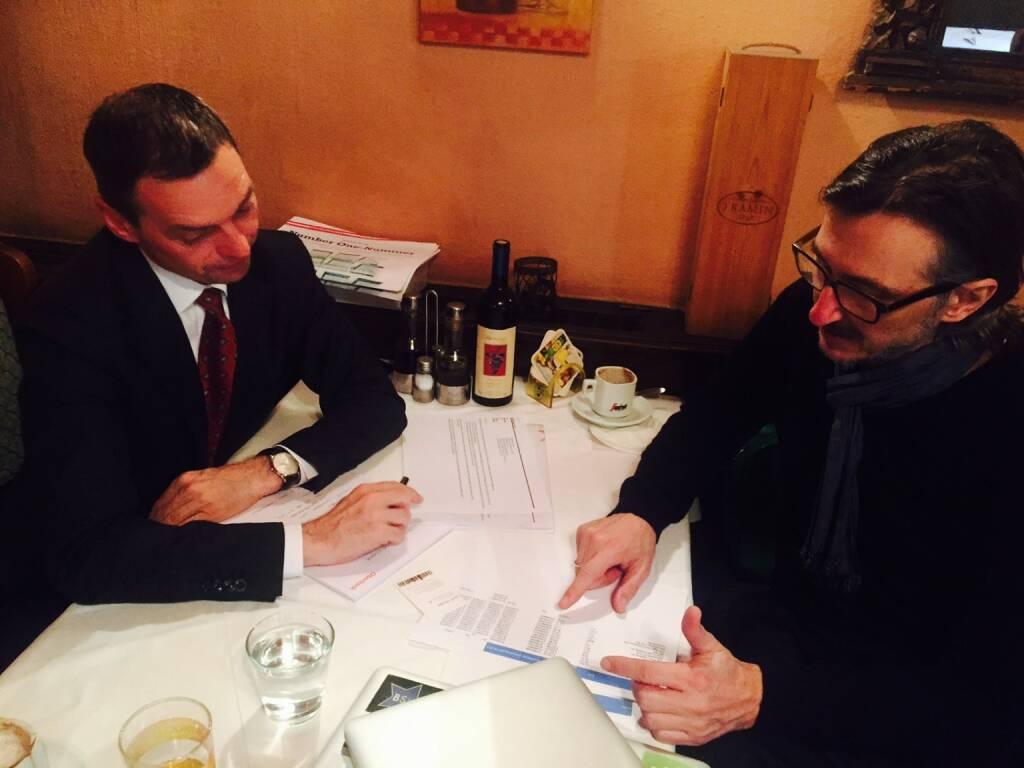 Erich Stadlberger (Oberbank) mit Josef Chladek in einer Projektbesprechung. Motto: Coming Soon (10.02.2016)