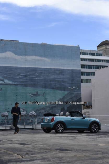 """Jake und das neue MINI Cabrio (Filmszene) : """"This Day Forward"""" online veröffentlicht : Außergewöhnlicher Kurzfilm von Oscar-Preisträger Joachim Back zum Launch des neuen MINI Cabrio : © BMW Group, © Aussendung (11.02.2016)"""