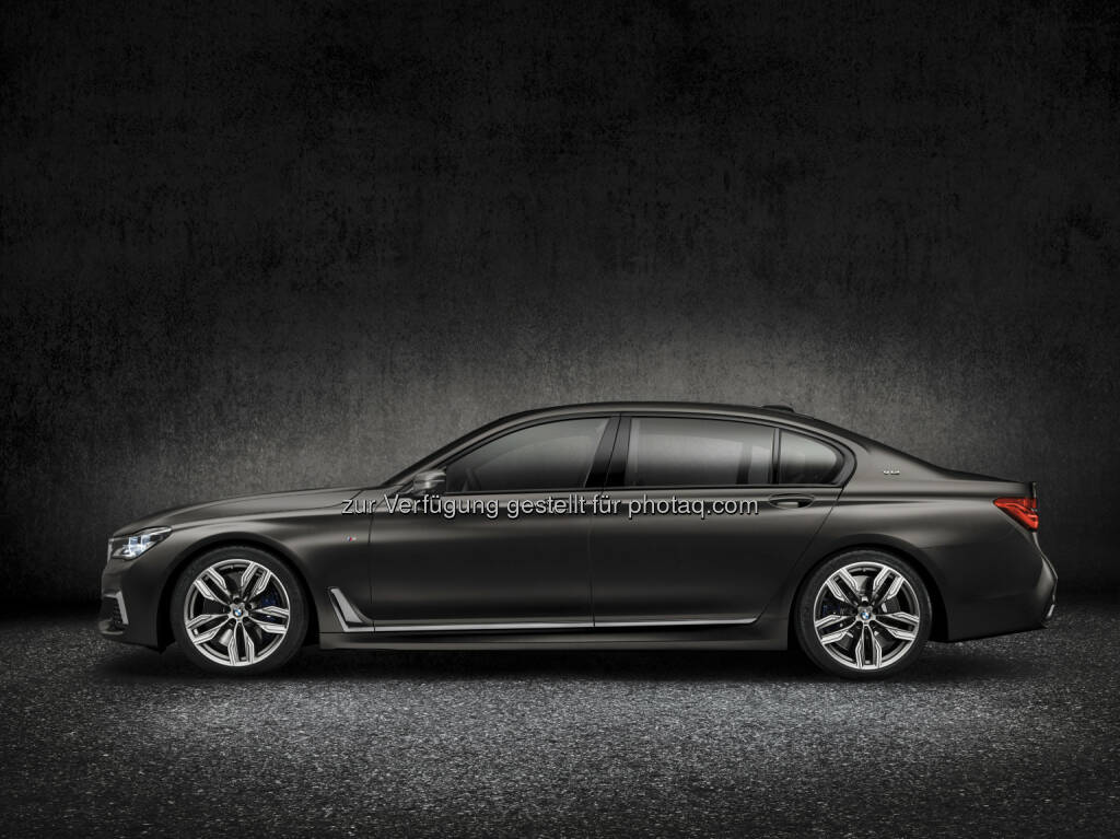 BMW M760Li xDrive (Topmodell der BMW 7er Baureihe) : BMW auf dem 86. Internationalen Automobil-Salon Genf 2016 : © BMW Group, © Aussendung (12.02.2016)