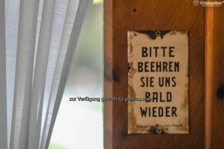 """Wirtshausführer Österreich fordert: """"Lasst den Wirt Wirt bleiben. Österreichs Wirte stehen nicht nur unter Generalverdacht als Steuerhinterzieher, sondern sind auch die Lieblingszielscheibe für immer neue Vorschriften und bürokratische Hindernisse : Fotocredit: Wirtshausführer/Egle"""