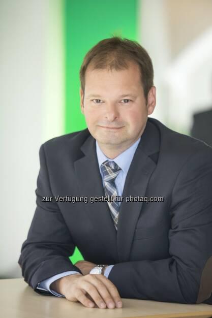 Hannes Dolzer (WKÖ) : Fachverband Finanzdienstleister bringt neue Service-Webseite für Kreditvermittler  : Fotocredit: WKÖ/glasklar-Kommunikation, © Aussender (18.02.2016)
