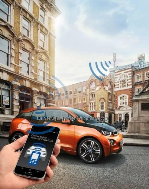 """BMW mit dem Forschungsprojekt """"Vehicular CrowdCell"""" auf dem Mobile World Congress 2016 in Barcelona : (c) BMW Group, © Aussendung (22.02.2016)"""