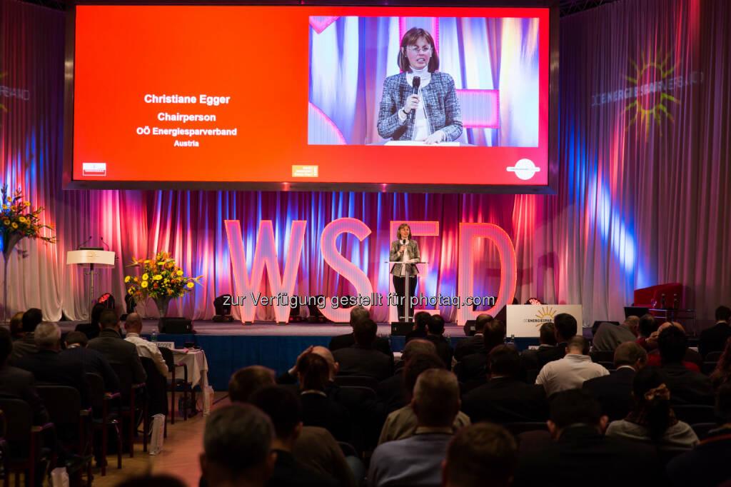Christiane Egger (Konferenzleiterin World Sustainable Energy Days 2016) : Europäischer Energie-Kongress in Wels mit 700 Teilnehmern aus 57 Staaten eröffnet : Fotocredit: Energiesparverband, © Aussendung (24.02.2016)