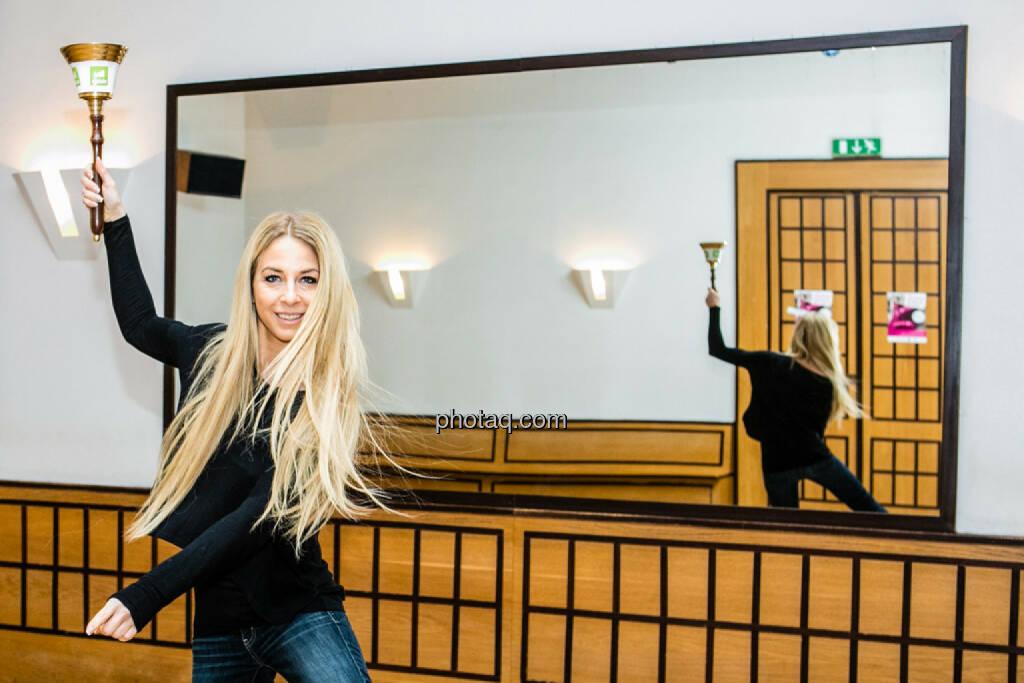 Tadah Yvonne Rueff, Tanzschule Rueff, Dancer against Cancer, http://www.openingbell.eu, © Martina Draper/photaq (24.02.2016)