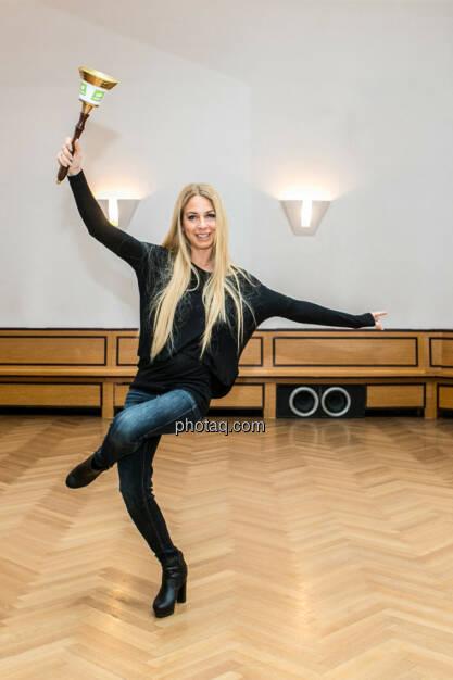 Yes Yvonne Rueff, Tanzschule Rueff, Dancer against Cancer http://www.openingbell.eu, © Martina Draper/photaq (24.02.2016)