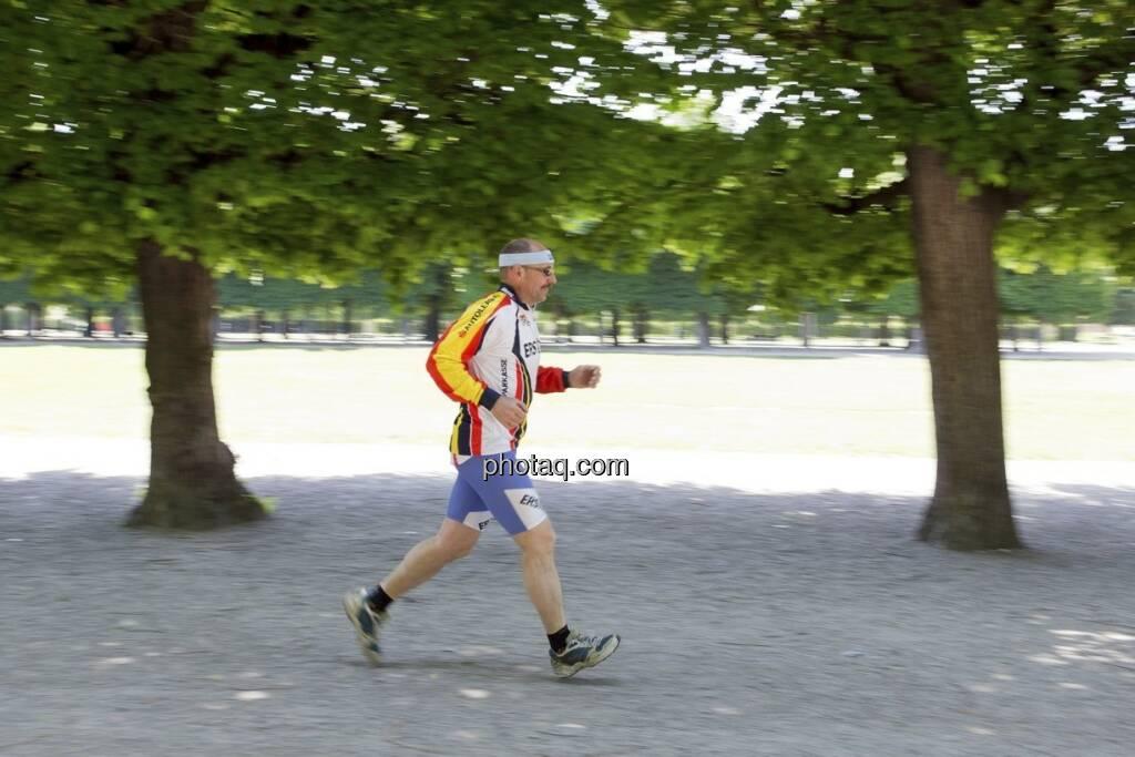 Franz Gschiegl (ESPA) läuft für die Sporthilfe, © Martina Draper (15.12.2012)
