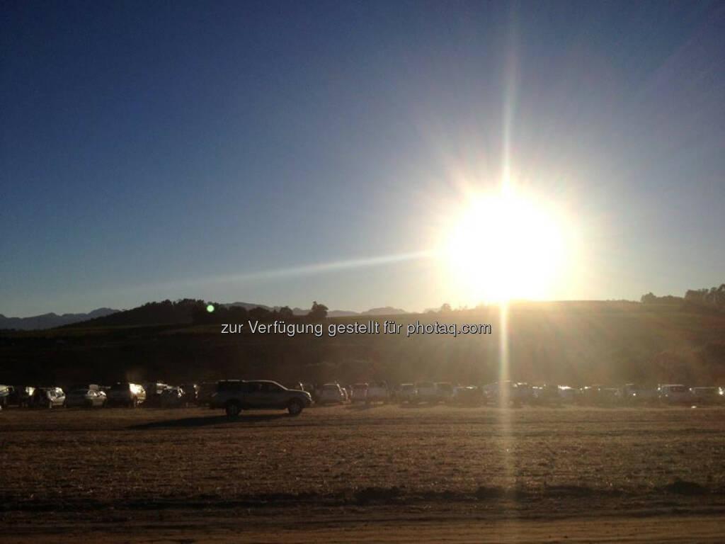Sonnenaufgang, Autos, &copy; <a href=