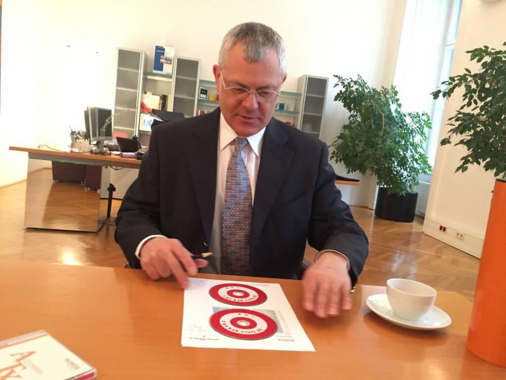 Relaxter Talk rund um http://www.boerse-social.com/25jahreatx : Börse Wien-Vorstand Michael Buhl (02.03.2016)