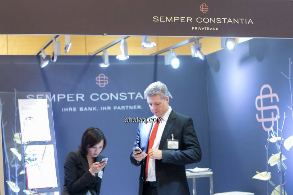 Handy Semper Constantia am Fonds Kongress, © Martina Draper/photaq (03.03.2016)