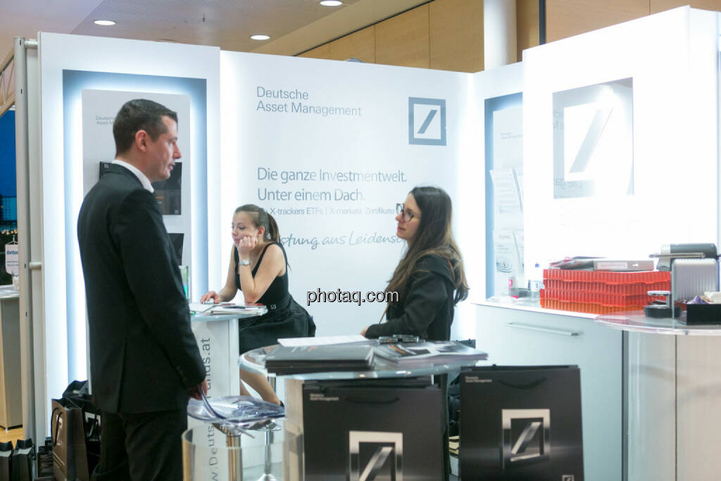 Deutsche Asset Management am Fonds Kongress, © Martina Draper/photaq (03.03.2016)