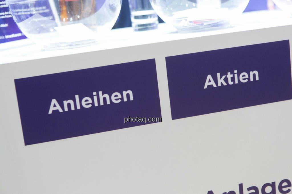 Anleihen, Aktien, © Martina Draper/photaq (03.03.2016)