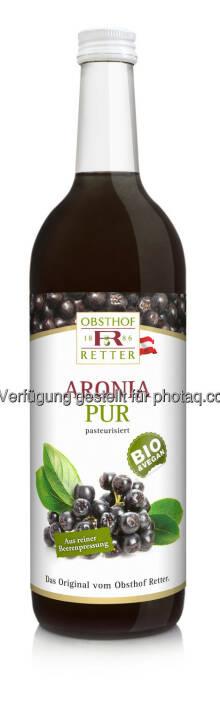 Bio Aronia pur : Die Aronia-Beere wird in Osteuropa seit langem als Heilmittel geschätzt, denn sie verfügt über außergewöhnliches Schutzpotential gegenüber freien Radikalen : Nach dem Grantapfel bringt der Obsthof Retter nun die nächste Superfrucht in die Flasche : Fotocredit: Obsthof Retter