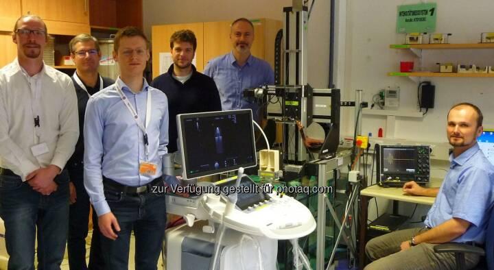 Team des Instituts für Signalverarbeitung : GE Healthcare, ein führender Anbieter für Ultraschallgeräte, hat es sich in Kooperation mit dem Institut für Signalverarbeitung (ISP) der Johannes Kepler Universität Linz zum Ziel gesetzt, die Messtechnik für Ultraschallsignale deutlich zu verbessern : Fotocredit: GE Healthcare