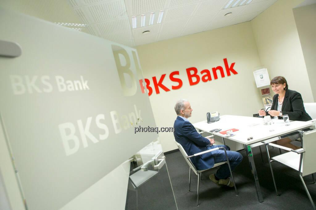 Christian Drastil, Herta Stockbauer (Vorstand BKS-Bank), © Martina Draper/photaq (10.03.2016)