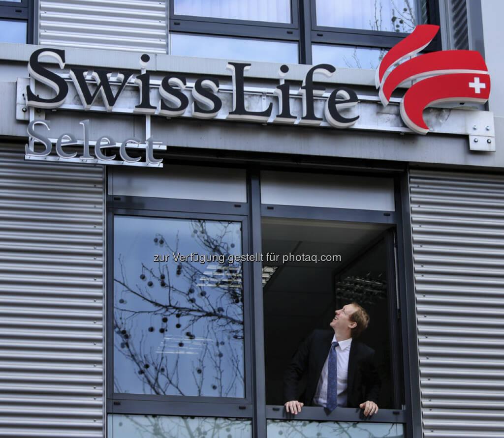 """Swiss Life hat im November 2012 bekanntgegeben, dass die Vertriebsgesellschaften, die bisher unter der Marke AWD tätig waren, künftig unter der Marke """"Swiss Life Select"""" auftreten werden, um die Neuausrichtung in den Ländern zu fördern. Vor diesem Hintergrund wurde in Österreich in den vergangenen Wochen der gesamte Marktauftritt von AWD auf Swiss Life Select umgestellt (08.04.2013)"""