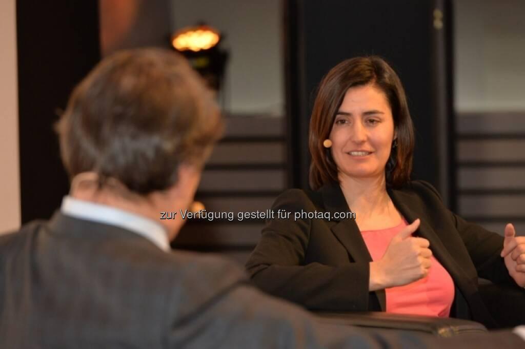 Birgit Noggler (CFO Immofinanz), Helmut Brandstätter, http://blog.immofinanz.com/de/2013/04/08/immofinanz-cfo-im-business-talk/, © PwC Österreich (08.04.2013)