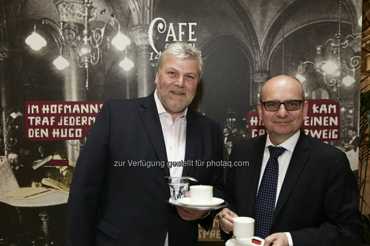 Alfred Flammer (Geschäftsführer Palais Events & Café Central), Harald Nograsek (Generaldirektor der Verkehrsbüro Group) : Café Central Wien ist 140 : Eine Institution feiert Geburtstag : Fotocredit: Verkehrsbüro Group/APA-Fotoservice/Roßboth