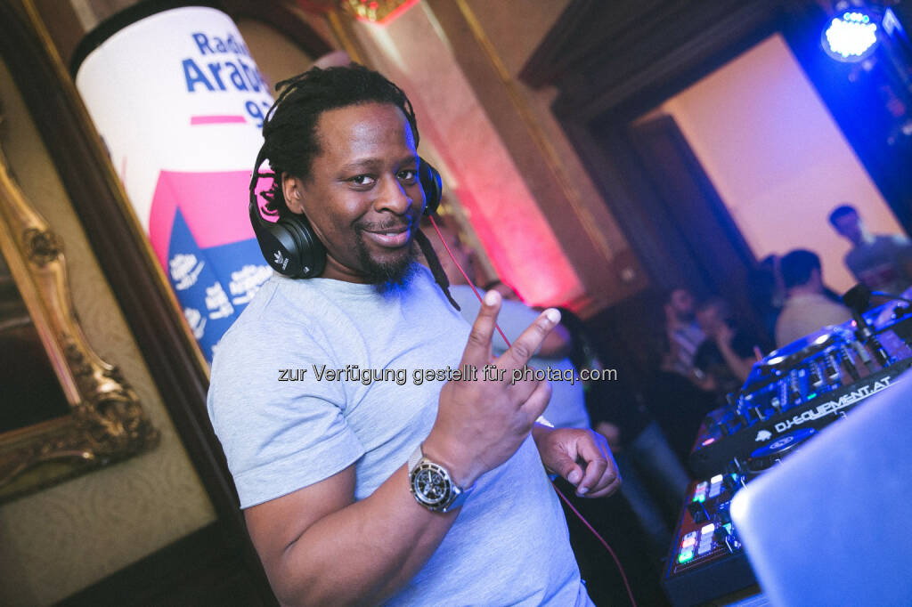 "Mola Adebisi (Special Guest und DJ) : Radio Arabella 92,9 ließ die legendären 90er wiederauferstehen : Sensationeller Start für ""It's my life – 90's the Party"" im Palais Eschenbach : Fotocredit: Flo Moshammer / www.goodlifecrew.at, © Aussender (20.03.2016)"
