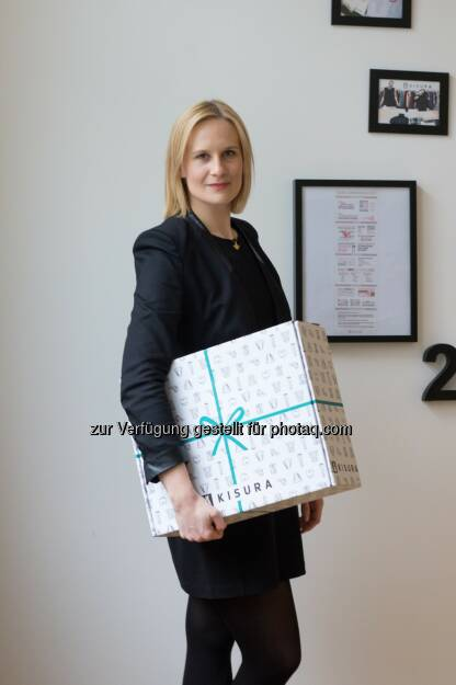 """Tanja Bogumil : Absolventin der FH Münster hat Online-Styling-Plattform """"Kisura"""" gegründet : Ein komplett neues Aussehen aus der Box : Fotocredit: Kisura, © Aussender (21.03.2016)"""