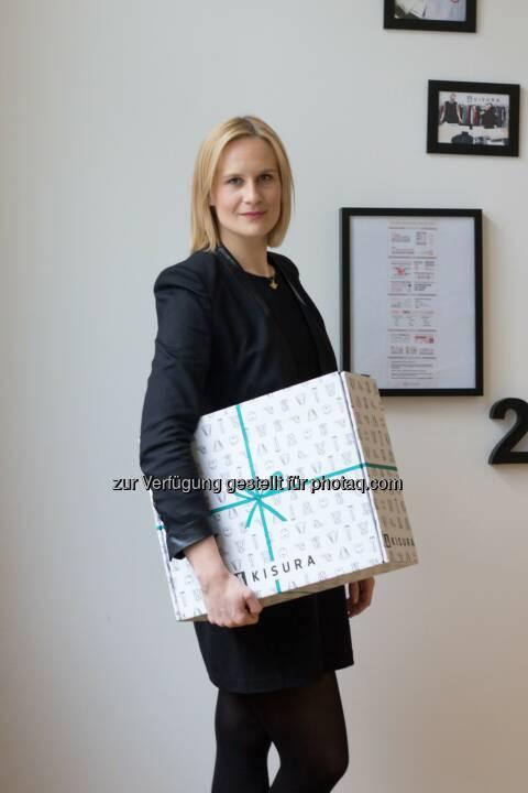 """Tanja Bogumil : Absolventin der FH Münster hat Online-Styling-Plattform """"Kisura"""" gegründet : Ein komplett neues Aussehen aus der Box : Fotocredit: Kisura"""