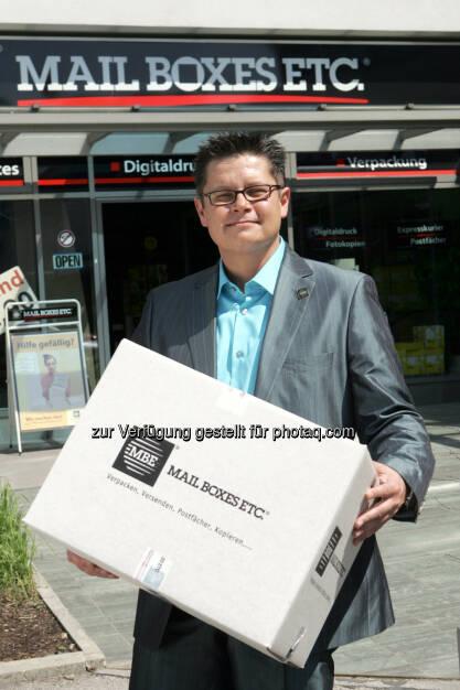 Dieter Baier, Österreich Manager von MBE - Mail Boxes Etc.(MBE) setzt auf Nachhaltigkeit: Wir drucken klimaneutral! (Bild: Mailboxes Etc.(MBE)), © Aussender (31.03.2016)