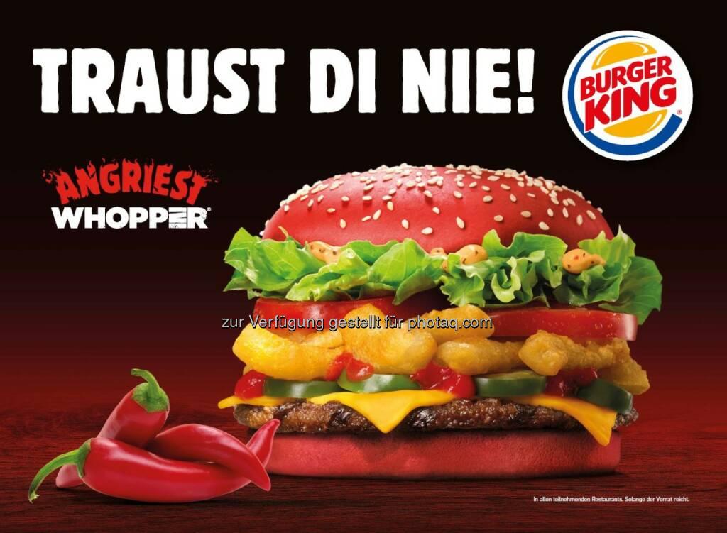 Nichts für schwache (Geschmacks-)Nerven: Burger King® präsentiert feurig roten Whopper® (Bild: Tanja Rainprecht/Burger King), © Aussendung (31.03.2016)