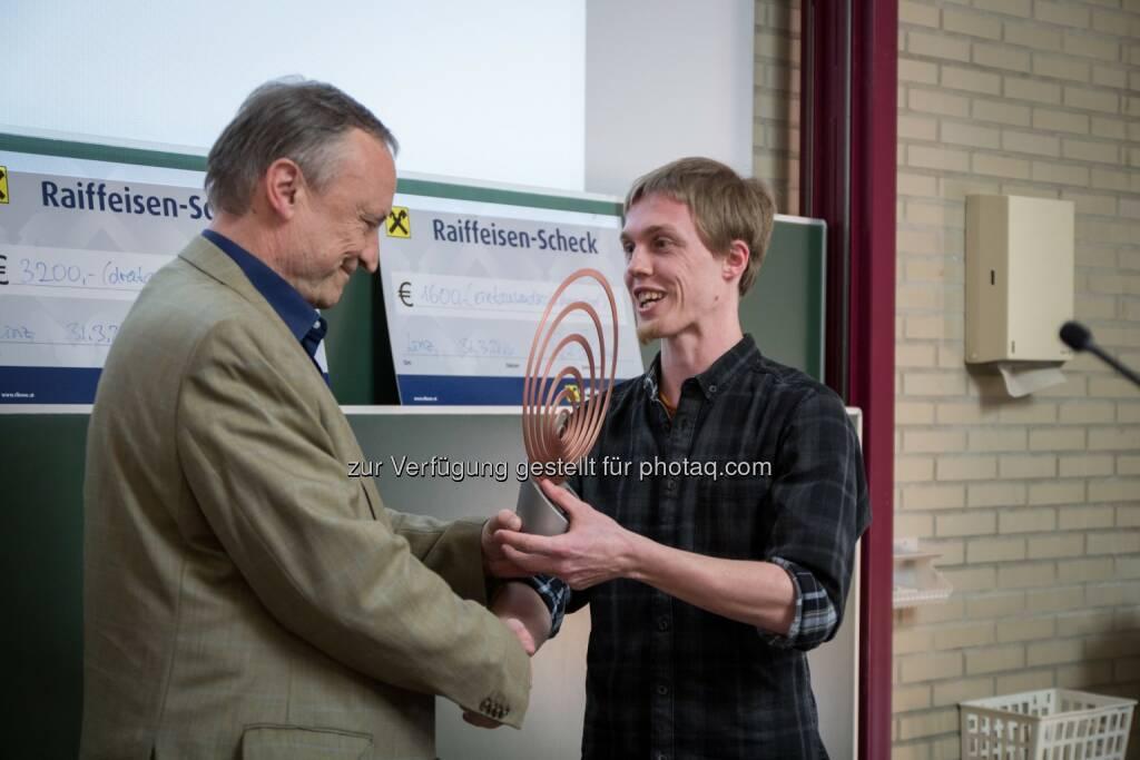 Peter Bauer, Dominik Kreil : 15. JKU-Wilhelm-Macke-Award geht an Dominik Kreil : Fotocredit: JKU/Atzmüller, © Aussendung (31.03.2016)