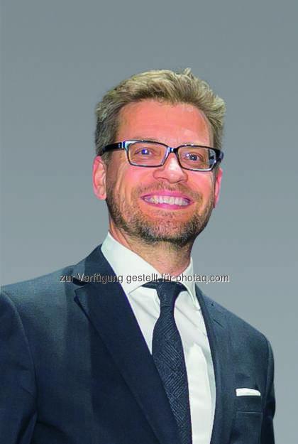 """Martin Wäg, Vorstand Kastner & Öhler/Gigasport : """"Krone"""" und Gigasport starten Online-Sportshop Anfang April unter kroneshop.at : Fotocredit: Copyright: Oliver Wolf, © Aussendung (06.04.2016)"""