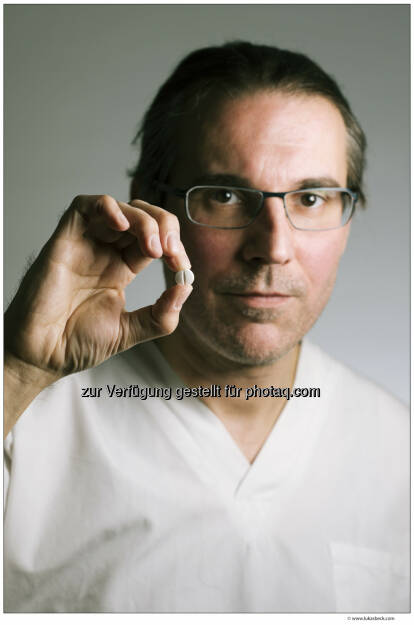 Fahmy Aboulenein (Neurologe) : Das Geschäft mit der Gesundheit : Programmschwerpunkt: Die Machenschaften der Pharmaindustrie : Talk im Hangar-7 am Donnerstag, 14. April, bei ServusTV : Fotocredit: edition a/Beck, © Aussender (06.04.2016)